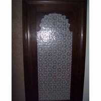 Geomatrical thikri glass work