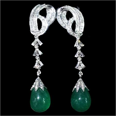 Attrractive Classic Diamond Earrings
