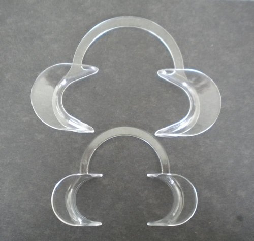 CHEEK RETRACTOR AUTOCLAVABLE SET OFF 2