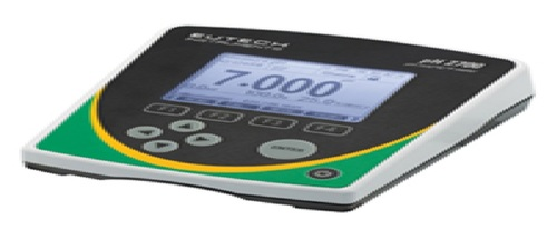 DELUXE TABLE TOP BENCH PH METER MODEL - EUTECH PH 2700