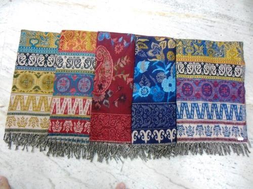 100% Woollen hill queen shawls