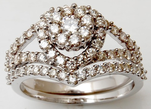 Men and women diamond ring set  for engagement