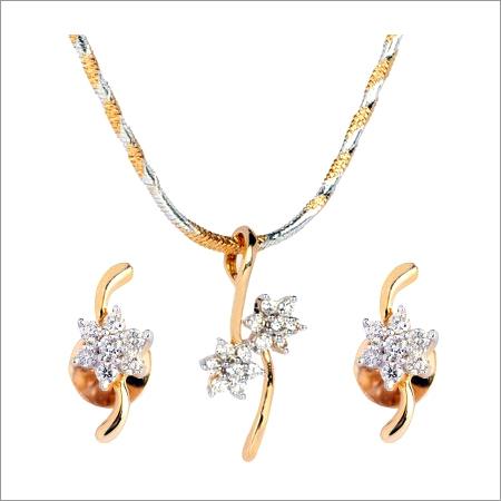 Flower Diamond Pendant Set