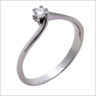 Splendid Platinum Solitaire Ring