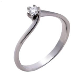 Splendid Platinum Solitaire Ring