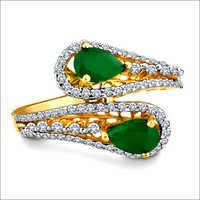 Dazzling Emerald Diamond Ring