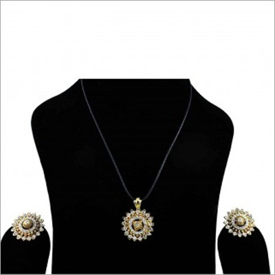 U White & Golden Earrings & Pendant Combo