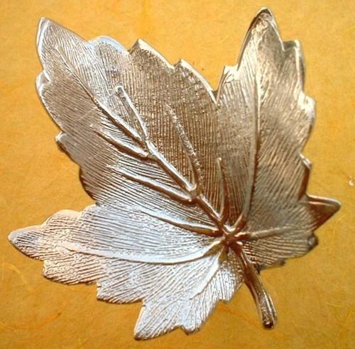 brass embossed leaf Napkin Ring