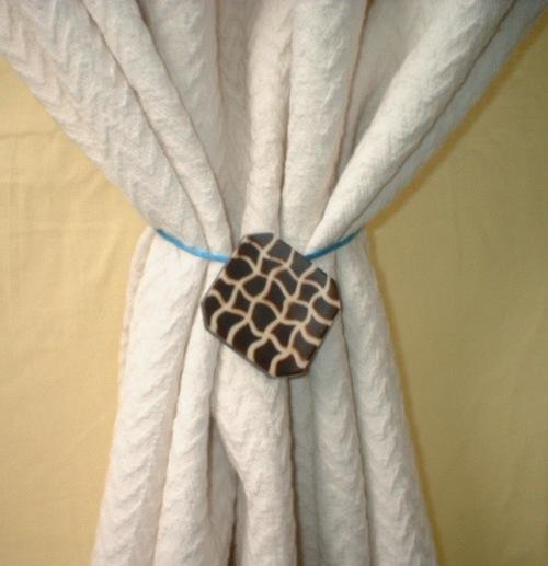 resin yarn combo  tie back