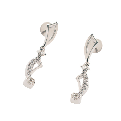 Exquisite and charming Earring