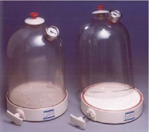 SE.22 a   Vacuum Jar, Plastic with Air Pump