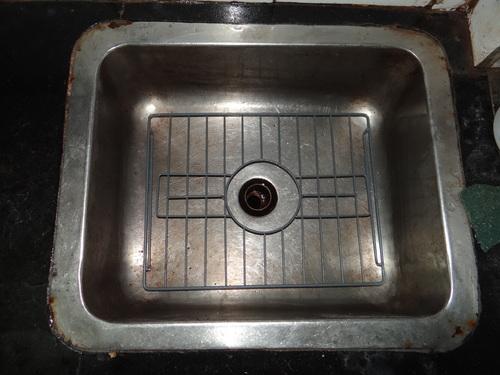 Metal Basin sink