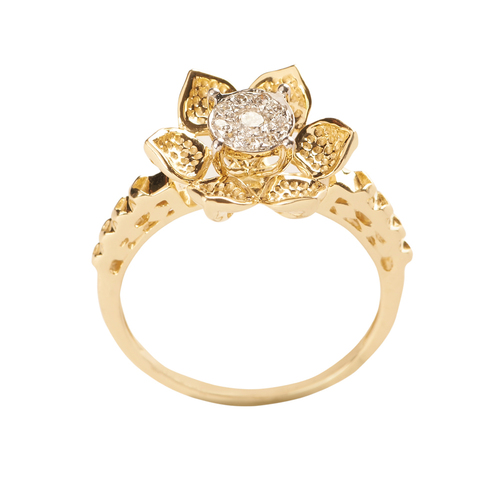 Floral dazzling and sparkling ring