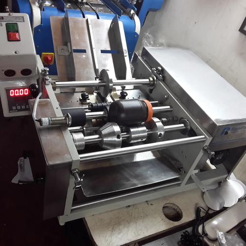Semi Automatic Glue Labeling Machine