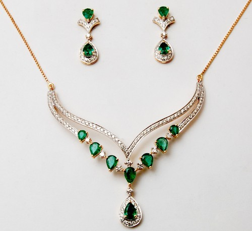 small necklace set as mangalsutra pattern, gemstone necklace set for slim neck