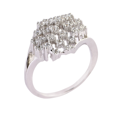 Classic Cluster Diamond ring