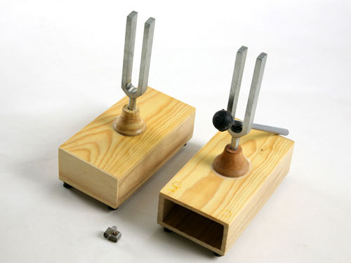 RESONANCE BOXES FOR TUNING FORKS
