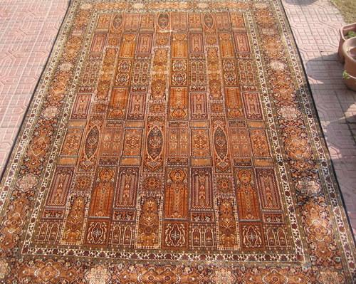 100% silk carpet handknotted