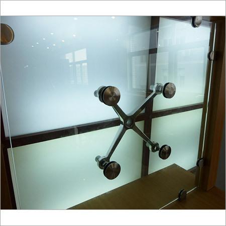 Glass Door Spider