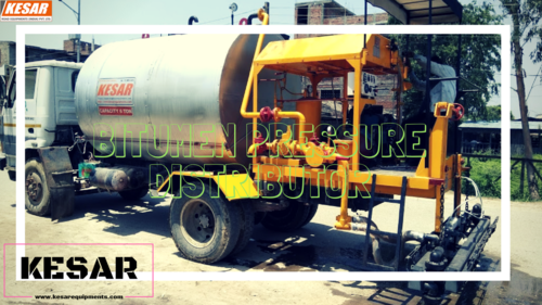 Bitumen Distributor Truck