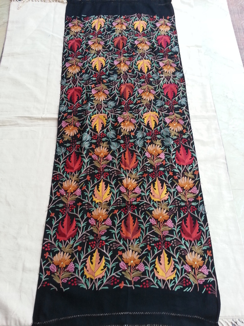 hook work hand emb woolen stole chinar designs