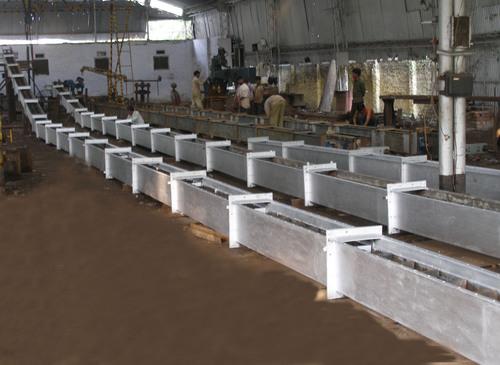 Inclined Chain Conveyor