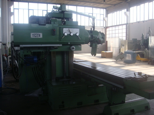 USED MILLING BED TYPE MACHINE