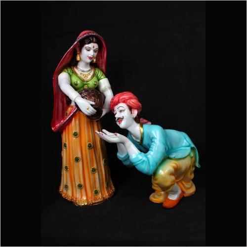 Couple Statue 1