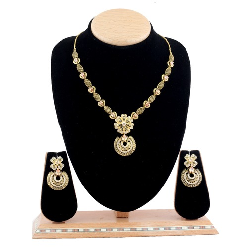 Delicate Necklace set