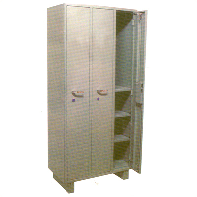 3 Door Ind Steel Cupboard