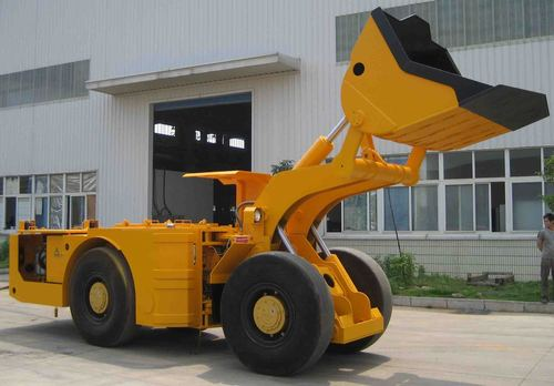 Earth Moving Equipment & Machinery