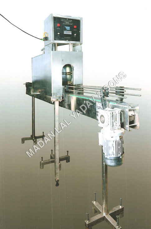 Shrink tunnel labeling machine