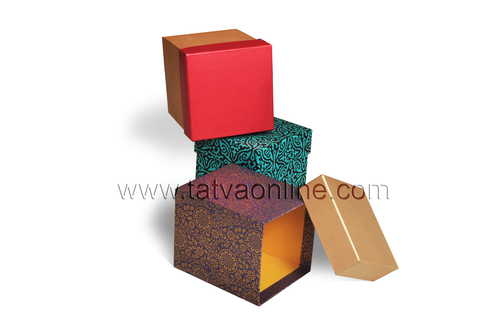 Custom made gift boxes