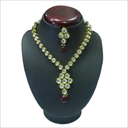 Vintage Gold Necklaces