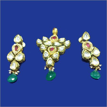 Studded Diamond Pendant Set