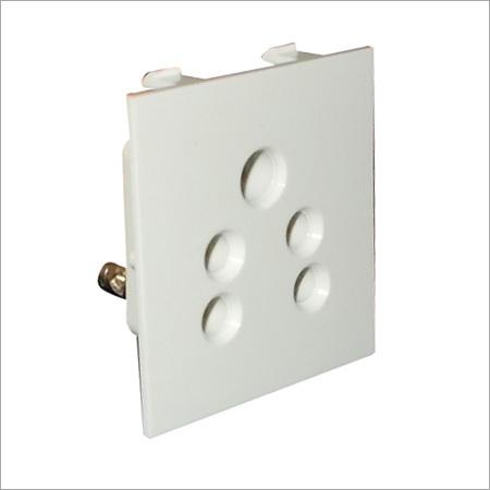 6 A 5 Pin Socket