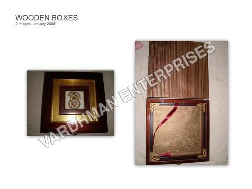 WOODEN BOX RIBBON