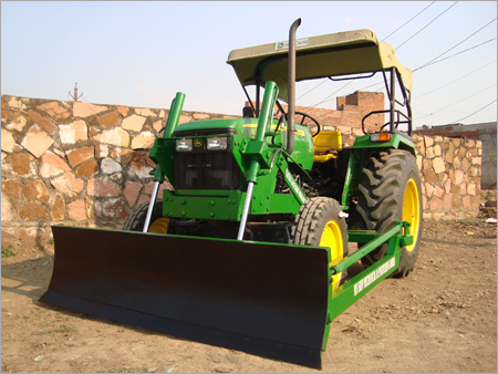 Tractor Dozer (Front View)