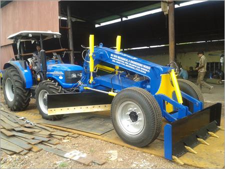 Grader 90 HP Tractor