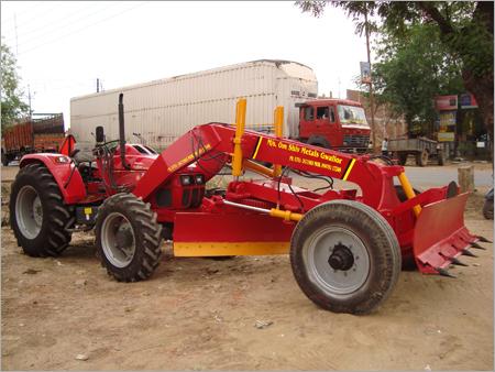 Mahindra Tractor Grader with 75 HP