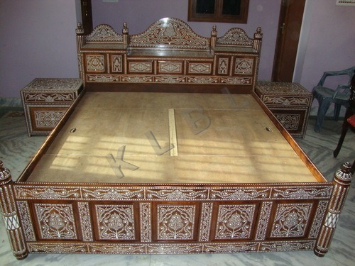 INLAID BED