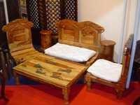 Carved Pida Set