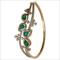 Pear Shape Emerald Gold Bracelet