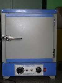 Hot Air Oven Laboratory Type