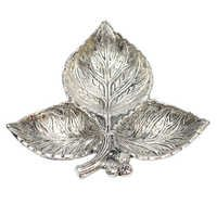 Worship Lamp 3 Leaf White Metal