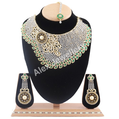 American Diamond Necklace Set.