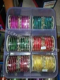 Assorted metal color bangles