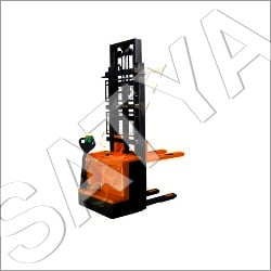 Battery Operated Stacker Rental Services