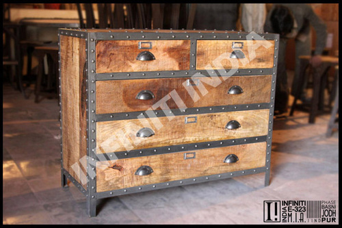 Vintage Drawer Chest