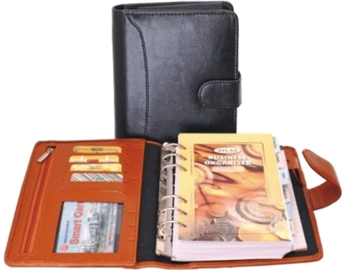 BLACK ORGANISER WITH A ZIP POUCH